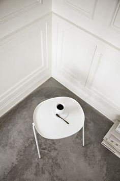 Swedish-based duo Afteroom perfect the art of understatement with the Afteroom Side Table, notable for its clean lines and humble beauty. Afteroom's missio Simple Interior, Interior Styling, Interior And Exterior, Interior Design, Luxury Interior, Parisian Architecture, Mosaic Kits, Black Side Table, Shops