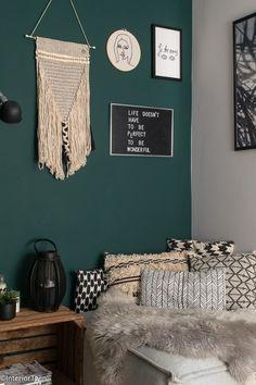 Fall Bedroom, Bedroom Inspo, Bedroom Decor, Bedroom Paint Design, Diy Platform Bed, Hippy Room, Cosy Room, Home Trends, Bedroom Styles