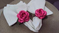 Porta guardanapo feito em cetim pink com argola em fita na mesma cor, preço para pedido mínimo de 50 peças