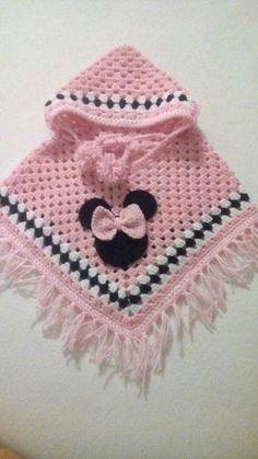 baby poncho Crochet poncho baby ideas Ideas for 2019 Crochet Baby Poncho, Crochet Baby Sweaters, Crochet Poncho Patterns, Baby Girl Crochet, Crochet Baby Clothes, Crochet For Kids, Baby Knitting Patterns, Crochet Shawl, Baby Patterns