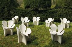 Clover Armchair by R. & E. Bouroullec for Driade - Constructed of polyethylene, this session from the floral theme is ideal for indoor and outdoor use.  Presented at the Salone del Mobile in Milan in 2007, chair of this great designer Ron Arad surprises us and embraces us with its petals comfortable. #design #shopdesign #bouroullec #designers