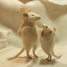 felted wool mice by Natasha Fadeeva, simply amazing!