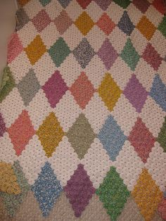 Yoyo quilt. Pretty amazing....that would take a bit of time, but what a treasure