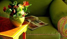 ❤️❤️❤️This Sofa...have exact same color green Vintage Sofa...