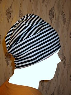 """Mesign - Clothes by me for me: """"Lörppäpipon"""" ompeluohje // Sewing directions for a loose jersey hat Chemo Caps Pattern, Bib Pattern, Sewing Hacks, Sewing Tutorials, Easy Sewing Projects, Clothes Crafts, Sewing Clothes, Baby Sewing, Free Sewing"""