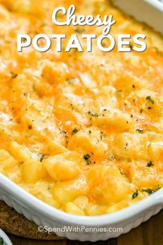Easy Cheesy Potatoes – Spend With Pennies This easy cheesy potato casserole is great to prep and make ahead. Then just toss in the oven to bake until browned! You can also easily freeze this recipe for a quick meal or perfectly portioned leftovers! Cheesy Potato Casserole, Potatoe Casserole Recipes, Recipe For Cheesy Potatoes, Oven Cheesy Potatoes, Quick Potato Recipes, Recipe With Canned Potatoes, Can You Freeze Potatoes, Potato Caserole, Recipes