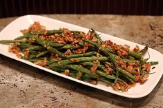 Roasted Pecan Green Beans | Ruled Me - flavors of parmesan, lemon zest, garlic and red pepper
