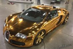 Car Information Bugatti Veyron shiny gold plating of rapper American rapper Flo Rida continues to change new clothes for his Bug. Luxury Sports Cars, Best Luxury Cars, Sport Cars, Bugatti Veyron, Bugatti Cars, Rolls Royce, Maserati, Ferrari 458, Bmw M Power