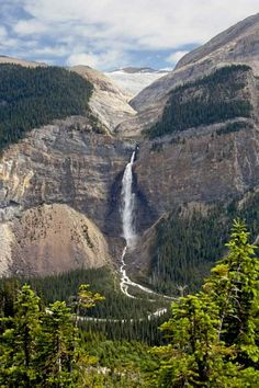 Takakkaw Falls in Yoho National Park, British Columbia, Canada Yoho National Park, National Parks, Rocky Mountains, Places To Travel, Places To See, Northern Exposure, Canadian Travel, Canadian Rockies, Les Continents