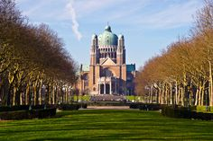 After the #rain comes the #sun! Take a walk & enjoy #Brussels #parks #gardens & #forests in #winter!