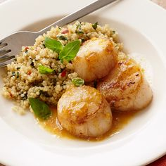 As long as you've got frozen scallops in your freezer, this diabetic appropriate main dish recipe can be on the table in just 35 minutes, using other common ingredients you'd normally have on hand. Healthy Recipes For Diabetics, Super Healthy Recipes, Diabetic Recipes, Cooking Recipes, Healthy Scallop Recipes, Cheap Recipes, Yummy Recipes, Cake Recipes, Dinner Recipes