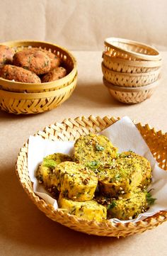 methi muthia: steamed   fried version