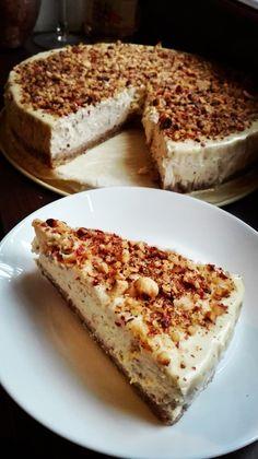 Lieskovcový cheesecake s bielou čokoládou Cheesecakes, Nutella, Tiramisu, Panna Cotta, Ethnic Recipes, Dulce De Leche, Cheesecake, Tiramisu Cake, Cherry Cheesecake Shooters