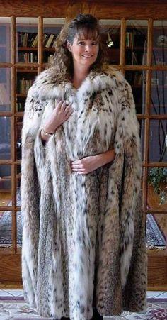Lynx, Fur Fashion, Womens Fashion, Long Fur Coat, Fur Cape, Great Women, Cloak, Fox Fur, Coats For Women