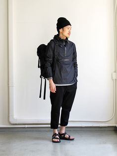 70 Best Japanese Streetwear Styles For Men That Will Look So Cool 37 Korean Streetwear, Japanese Streetwear, Mode Streetwear, Streetwear Fashion, Japanese Minimalist Fashion, Japanese Street Fashion, Minimalist Outfits, Mens Trends, Japanese Men