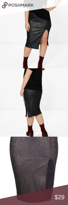 Plus Size Slit Midi Skirt •NWT.                                                            •Boohoo Plus.                                                      •Black Metallic Skirt.                                           •Midi length.                                                      •Plus Size Skirts Midi