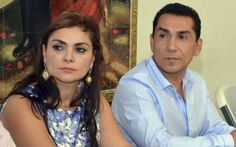 Mexican police are looking for Iguala's mayor and his wife in relation to the disappearance of 43 students