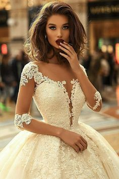 Half Sleeves Ivory Lace Long Bridal Gown
