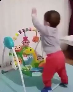 The chill king – Humor bilder Funny Babies, Funny Kids, Funny Cute, Cute Kids, Cute Babies, Baby Kids, Funny Video Memes, Funny Relatable Memes, Funny Jokes