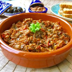 Marokkaanse zaalouk (aubergine - tomatensalade) - Healthy by Elisa Diner Party, Tagine Recipes, Vegan Foods, Couscous, Other Recipes, Pesto, Side Dishes, Salads, Curry