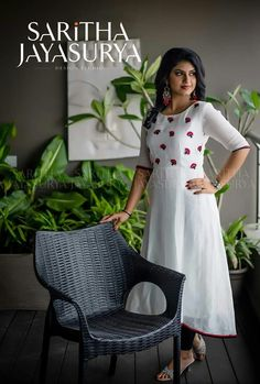 Simple Dresses, Pretty Dresses, Casual Dresses, Dress Neck Designs, Blouse Designs, Western Dresses For Girl, Frocks And Gowns, Kurta Patterns, Simple Kurti Designs