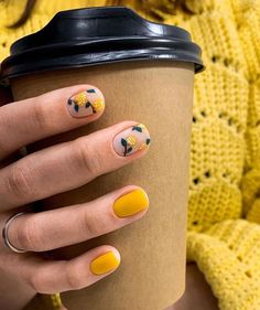 Semi-permanent varnish, false nails, patches: which manicure to choose? - My Nails Dream Nails, Love Nails, My Nails, Minimalist Nails, Stylish Nails, Trendy Nails, Cute Acrylic Nails, Matte Nails, Nagel Gel