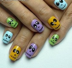 Colorful Skulls by Simply Rins - 25 Fun Halloween Nail Art Ideas Halloween Nail Designs, Halloween Nail Art, Cute Nail Designs, Halloween Ideas, Skull Nail Art, Skull Nails, Cute Nail Art, Cute Nails, Pretty Nails