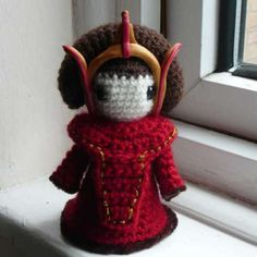 http://wixxl.com/free-queen-amidala-amigurumi-crochet-pattern/ Free Queen Amidala/padmé Amigurumi Crochet Pattern