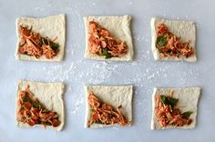 Cheesy Chicken Pizza Pockets Really nice recipes. Chicken Pizza, Cheesy Chicken, Rotisserie Chicken, Pepperoni Bread, Bakery Recipes, Cooking Recipes, Chicken Caesar Pasta Salad, Pizza Pockets, Healthy Snacks