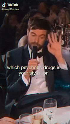 Harry Styles Memes, Harry Styles Edits, Harry Styles Baby, One Direction Videos, One Direction Humor, I Love One Direction, Funny Video Memes, Funny Short Videos, Mr Style