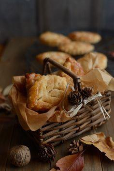 今年は、お菓子をたくさん作りたいなと思っています♪友人でお菓子とパンの教室スタジオジェンマ を主宰されている高橋教子さんが私のお菓子の先生。今回は、リーフパイ…