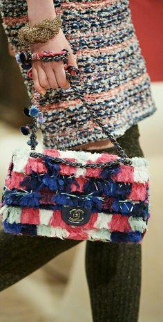 Chanel - bolsos - moda - complementos - bag - fashion - accessories http://yourbagyourlife.com/ Love Your Bag.
