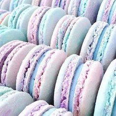 Saturdays are for Cotton Candy Macaron Magic photo by Jenna Rae (Sweet Recipes Candies) Mini Desserts, Dessert Recipes, Cookie Recipes, Candy Recipes, Plated Desserts, Healthy Desserts, Yummy Treats, Sweet Treats, Yummy Food