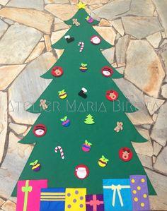 Árvore de Natal de Parede em feltro! <br> <br> <br>Toda confeccionada em feltro. <br> <br>Acompanha 29 enfeites com velcro adesivo. <br> <br>*** Não acompanha fita adesiva para colar na parede *** <br> <br>Prazo de confecção se inicia após confirmação do pagamento. <br> <br>Fazemos também em outros tamanhos (1,00m altura e 1,40m altura). Consulte-nos. Christmas Tree, Kids Rugs, Holiday Decor, Home Decor, Felt Tree, Wall Christmas Tree, Duct Tape, Ideas For Christmas, Needlepoint