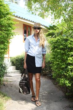 Island chic - maybe with one of our #Gatsby Hats?  www.sunhats.co.za