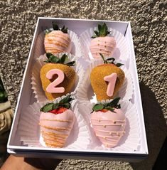 Strawberry Pudding, Strawberry Dip, Strawberry Recipes, Strawberry Shortcake, Chocolate Candy Melts, Chocolate Covered Pretzels, White Chocolate Covered Strawberries, Cooking Chocolate, Chocolate Art