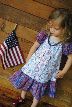 https://www.etsy.com/treasury/MTA4OTY5MTR8MjcyNDgwMzU5NA/rosetta-rhombus?index=0=treasury_search_uid= Girls Peasant Dress with Ruffled Hem Red White by KelleenKreations, $28.00