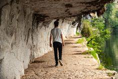 Wandelen en fietsen op het jaagpad langs de Lot - Frankrijk Puur, reistips & recepten Stuff To Do, Trail, To Go, Places To Visit, Hiking, Camping, Vacation, History, Country