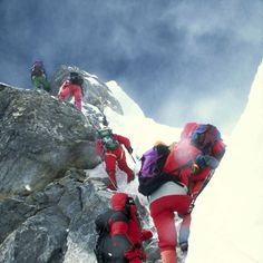 Fischer and team face the Hilary Step in 1996 Alpine Climbing, Rock Climbing Gear, Rob Hall, Climbing Everest, Hindu Kush, Hang Gliding, Bungee Jumping, Wedding Art, Mountaineering