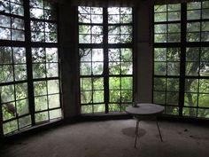 """""""廃墟を旅する"""" Travel the ruins Japanese 東雲みょん's blog. I love this blog. very interesting many photos.   http://haikyotabi.blog33.fc2.com/"""