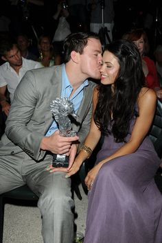 Channing Tatum kissed Jenna Dewan on the cheek