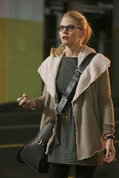 Emma's beige shearling jacket on Once Upon a Time.  Outfit Details: http://wornontv.net/6551/ #OnceUponATime