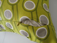 cushion covers with an invisible zipper enclosure