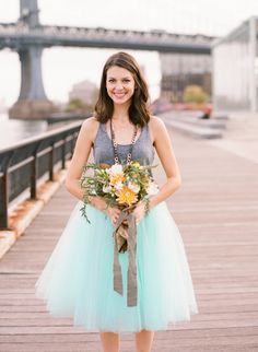 Brooklyn Bridge Anniversary Shoot | Planning and Design: @colorpopevents, Photography: @whuynhphoto, Floral: @bowmanandclark