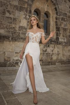 f40ffccd7fb Brides of 2018 are in for a treat thanks to the spring summer collection of  Dany Mizrachi 2018 wedding dresses. The versatile collection from the  Israeli.