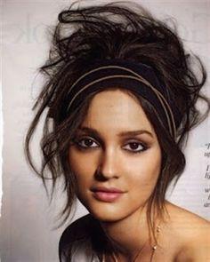 The Hot Mess! - Weekend Hair Look: Messy Hairstyles Gossip Girl Hairstyles, Cute Messy Hairstyles, Messy Updo, Short Hair Updo, Boho Hairstyles, Curly Hair Styles, Messy Buns, Updo Hairstyle, Hairstyles Pictures