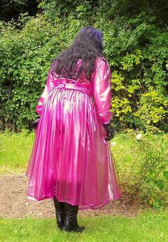 Garden visit = Fresh coloured transparent pvc coat over propper underclothing and hosiery with boots and gloves . Pink Raincoat, Plastic Raincoat, Plastic Pants, Imper Pvc, Plastic Mac, Rain Suit, Pvc Coat, Pvc Vinyl, Rain Wear