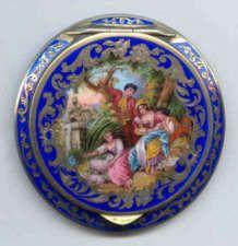 Beautiful Italian figural compact.  sweet!