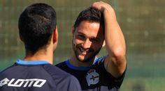 El jugador rumano no pierde la sonrisa ni la confianza en sí mismo a pesar de la dura derrota encajada el pasado domingo en la visita a Mestalla  | p.p.