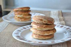 Priprav si na raňajky tieto geniálne nadýchané lievance, ktoré sú navyše bez lepku. Nepotrebuješ droždie ani kvasnice, tento recept si zamiluješ. Pancakes, Baking, Breakfast, Healthy, Sweet, Fitness, Desserts, Recipes, Candy